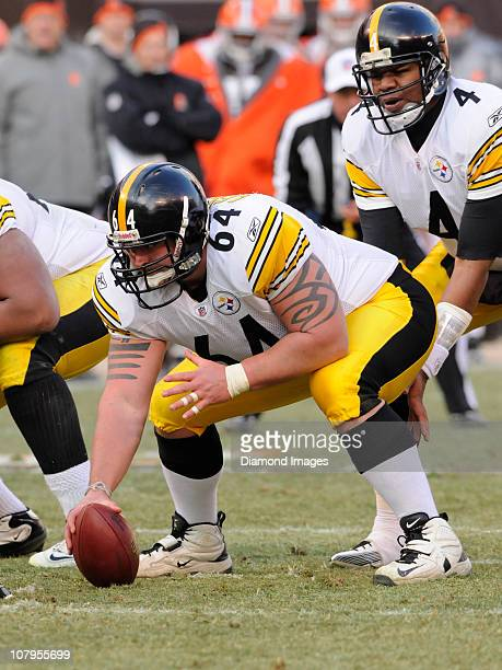 Center Doug Legursky of the Pittsburgh Steelers waits to snap the ball to quarterback Byron Leftwich during a game with the Cleveland Browns on...