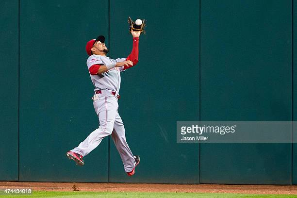 Center fielder Billy Hamilton of the Cincinnati Reds catches a fly ball hit by Jose Ramirez of the Cleveland Indians during the fifth inning at...
