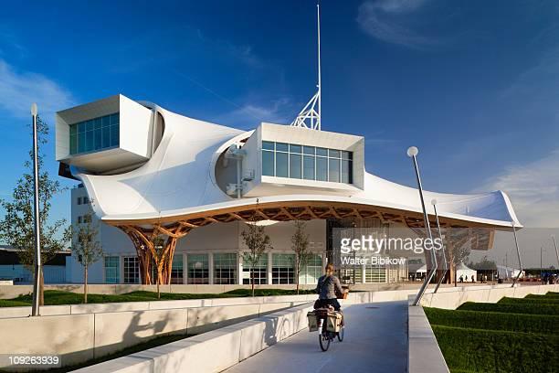 Center Pompidou-Metz, arts center