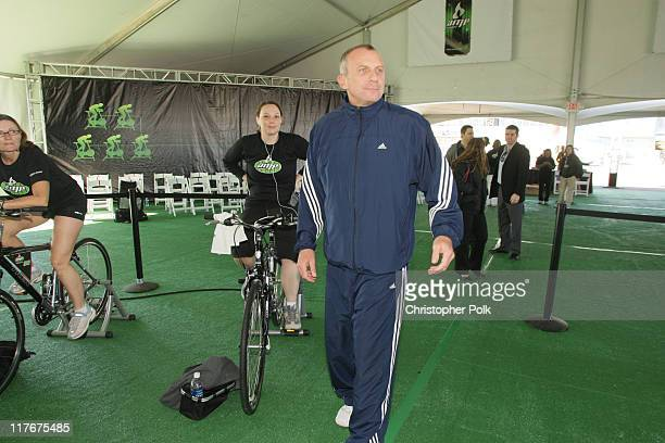 Center retired quarterback Joe Montana along with hundreds of volunteers from the Phoenix area help AMP Energy Drink supply human energy by pedaling...