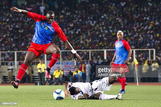 Central African Republic's Vianney Mabide vies with Democratic Republic of the Congo's Yannick Yala Bolasie during the 2017 African Cup of Nations...