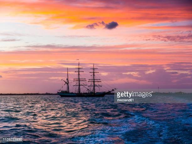 central america, belize, yucatan peninsula, sailing ship - 帆船 ストックフォトと画像
