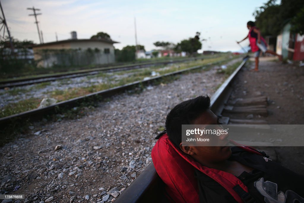 Central Americans Undertake Grueling Journey Through Mexico To U.S. : Fotografía de noticias