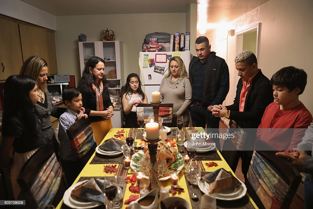 Immigrant Families Celebrate Thanksgiving In Connecticut : News Photo