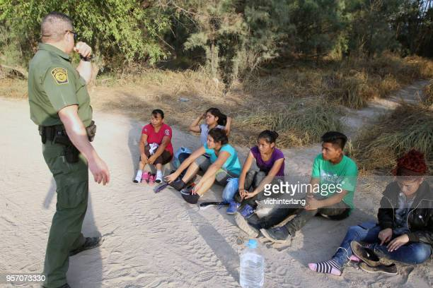 central american refugees, south texas - human trafficking stock photos and pictures