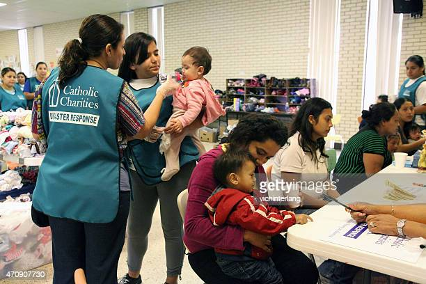 central american refugees, south texas, summer 2014 - catholicism stock pictures, royalty-free photos & images