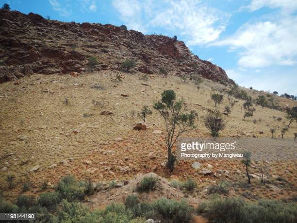 central australian desert - escarpment stock pictures, royalty-free photos & images