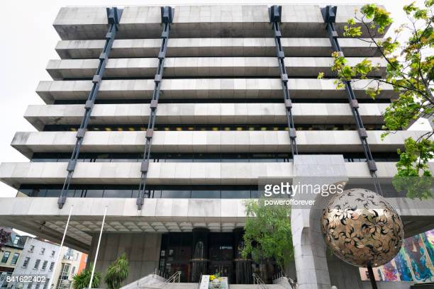 central bank building in dublin, ireland - central bank stock pictures, royalty-free photos & images