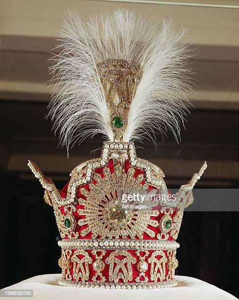 Crown of Pahlavi, 1925 (red velvet, gold, silver, precious stones & pearls)