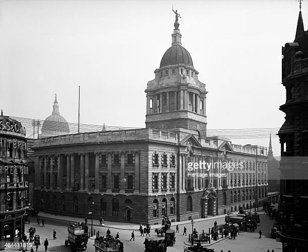 Central Criminal Court Old Bailey City of London viewed from Holborn Viaduct The dome of the Court building is topped by a figure holding a sword and...