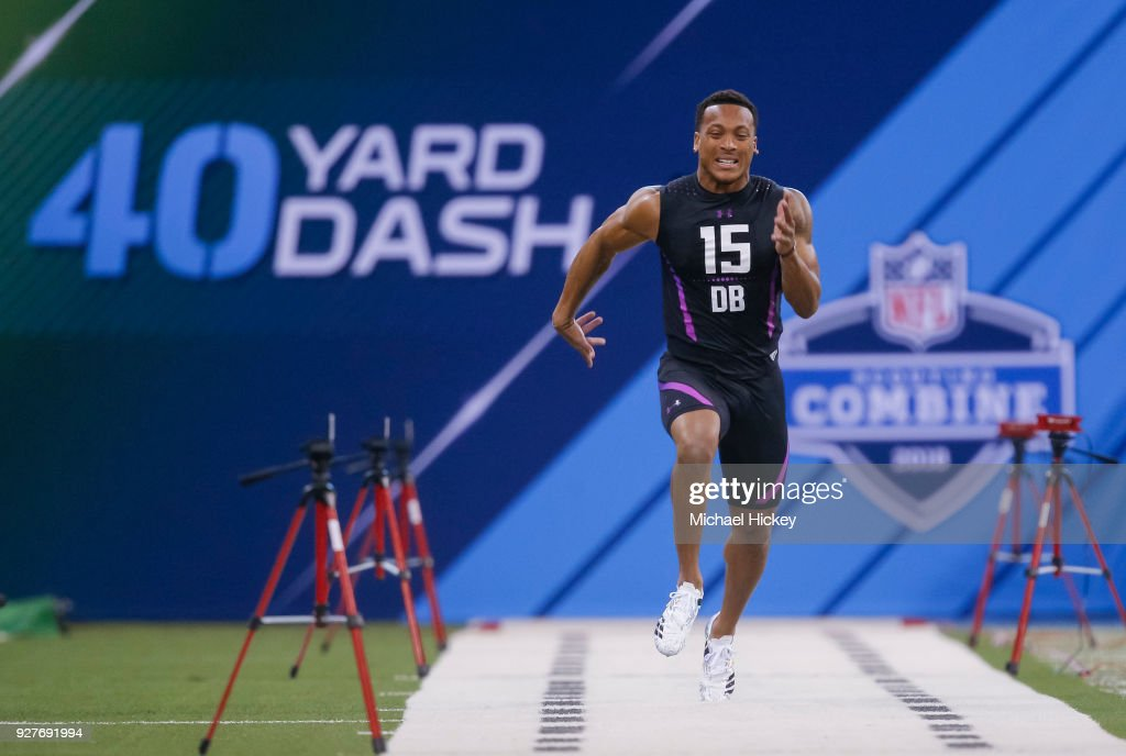 Central Florida defensive back Mike Hughes (DB15) runs the 40 yard dash during the NFL Scouting Combine at Lucas Oil Stadium on March 5, 2018 in Indianapolis, Indiana.