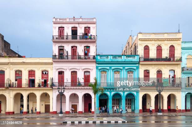 central havana colorful buildings - havana stock pictures, royalty-free photos & images
