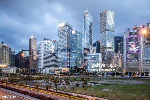 central, hong kong night - central district hong kong stock pictures, royalty-free photos & images