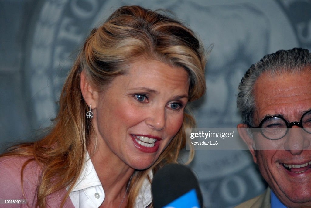 Christie Brinkley and her attorney after her divorce settlement with Peter Cook : News Photo