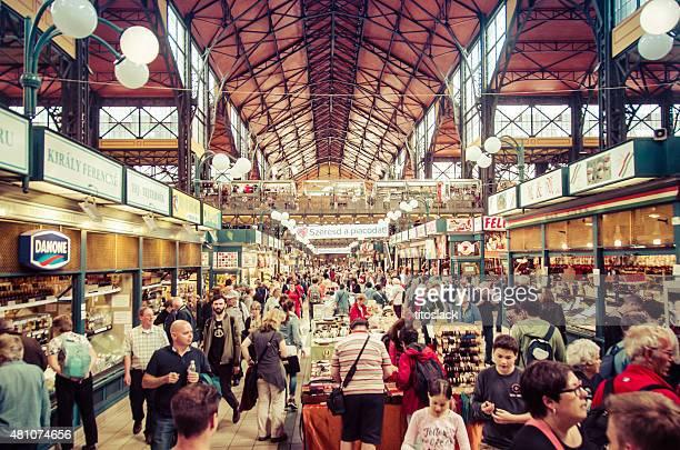 Central Market Hall (Nagy Vasarcsarnok) in Budapest, Ungarn