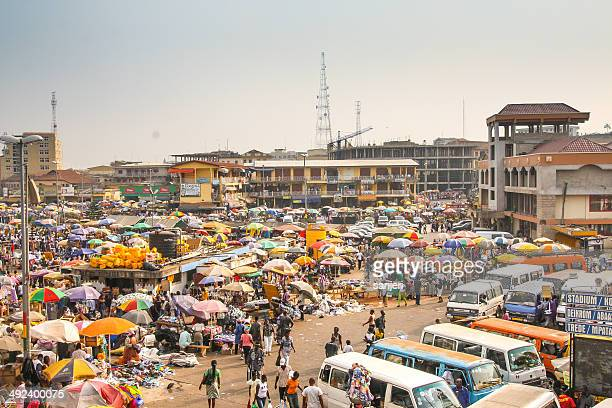 central market kejetia in kumasi, ghana - ghana stock pictures, royalty-free photos & images