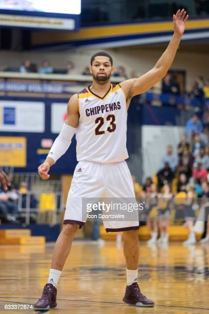 Central Michigan Chippewas F DaRohn Scott calls for a pass during the first half of the men's college basketball game between the Central Michigan...