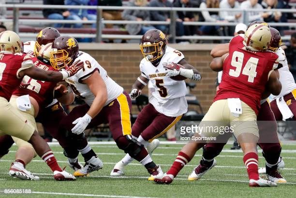Central Michigan running back Jonathan Ward 50 cuts back to the hole in the line of scrimmage during a game between the Boston College Eagles and the...