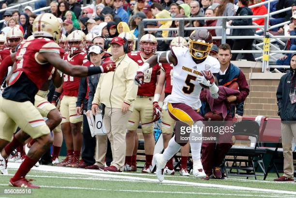 Central Michigan running back Jonathan Ward races down the sideline during a game between the Boston College Eagles and the Central Michigan...