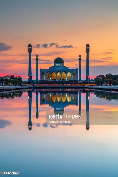 central mosque of songkhla - provincia di songkhla foto e immagini stock