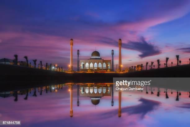central mosque songkhla - provincia di songkhla foto e immagini stock