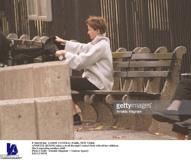 Central Park New York Annette Bening Takes A Stroll Through Central Park With All Her Children She Is Expecting Another Child
