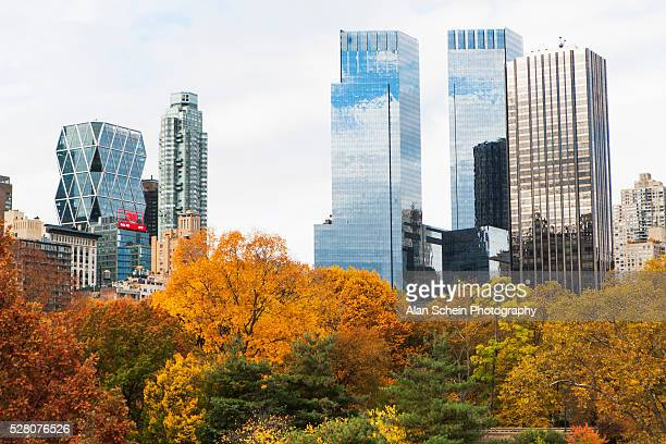 central park, nyc, autumn, fall - タイムワーナーセンター ストックフォトと画像