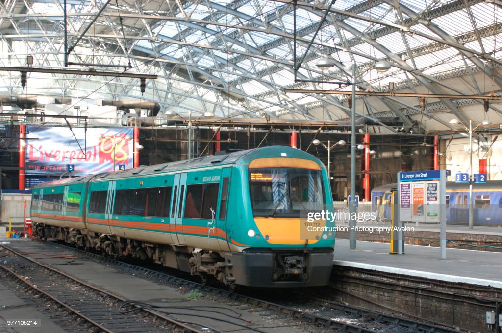 A Central Trains service to Norwich using one of the recently received Class 170 Turbostar DMU trainsets from Midland Mainline : ニュース写真