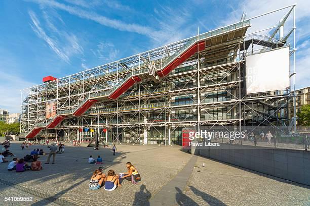 centre george pompidou, paris - centre georges pompidou stock pictures, royalty-free photos & images