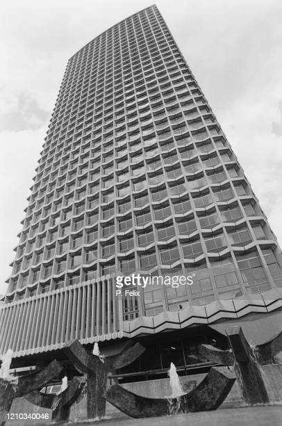 Centre Point, a 33-storey tower block designed by George Marsh of architects Richard Seifert and Partners, in London, England, 29th June 1972. One of...