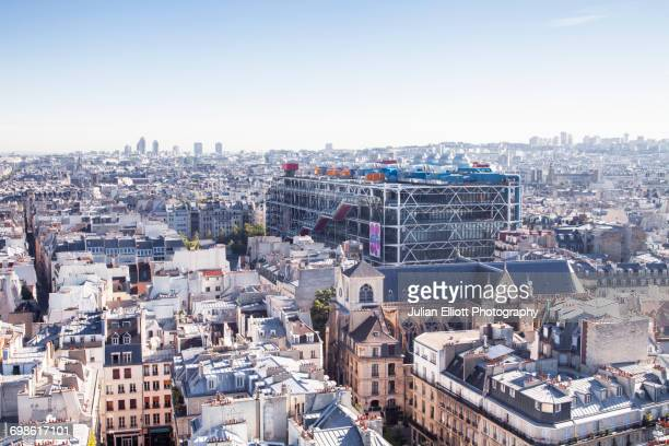 centre pompidou and the city of paris. - centre georges pompidou stock pictures, royalty-free photos & images