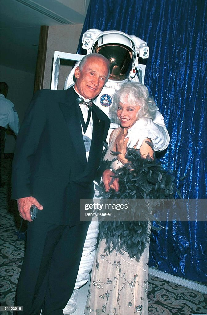 Century City Ca Buzz Aldrin And His Wife At The Thalians 44Th Annual Ball Honoring Heroes : News Photo
