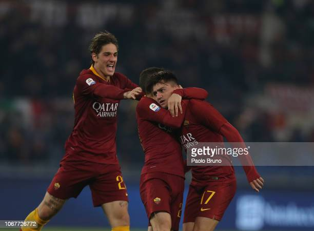 Cenziz Under with his teammates of AS Roma celebrates after scoring the team's first goal during the Serie A match between AS Roma and FC...