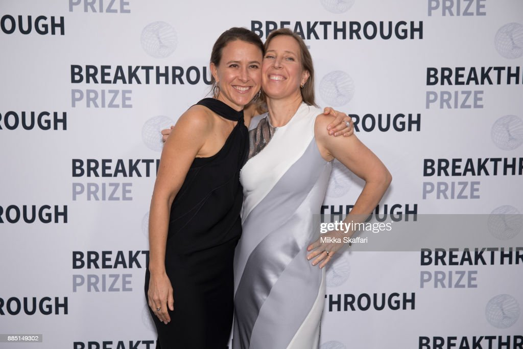 6th Annual Breakthrough Prize - Arrivals : News Photo