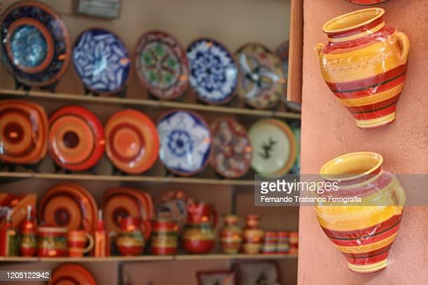 ceramic vessels - ギフトショップ ストックフォトと画像