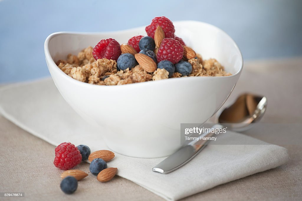 Cereal with berries and nuts : Stockfoto