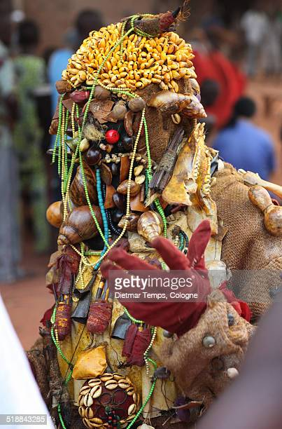 ceremonial mask dance, benin - dietmar temps 個照片及圖片檔