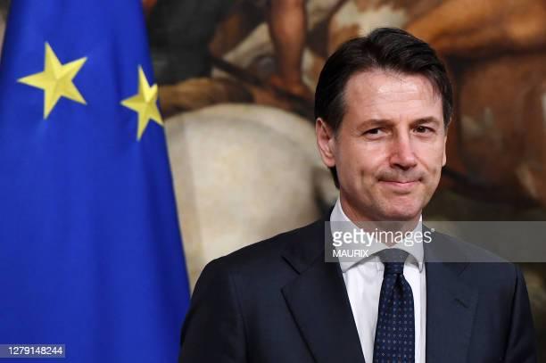 Ceremonie de passation de pouvoir au Palais Chigi où le nouveau premier ministre italien Giuseppe Conte a reçu la clochette symbolique de son...