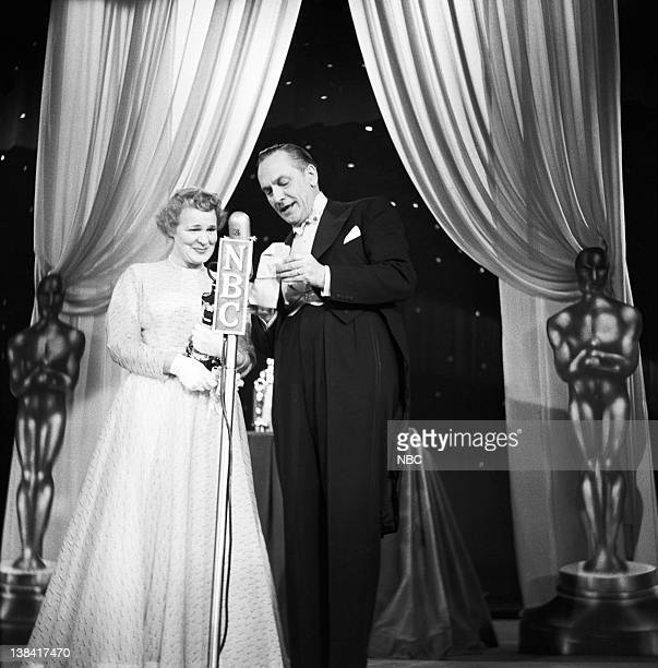 Ceremony AIr Date Pictured Best Actress winner Shirley Booth for 'Come Back Little Sheba' host/presenter/actor Fredric March at the 25th Annual...
