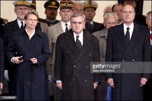 Ceremony in memory of the victims of the May 8 attack in Karachi in Cherbourg France on May 13 2002 Michele AlliotMarie JeanPierre Raffarin Jacques...