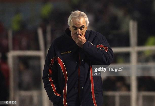 Cerro Porteno's coach Jorge Fossati reacts during their 2012 Copa Sudamerica football match against O'Higgins at the El Teniente stadium in Rancaga...