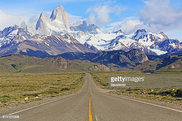 cerro torre. fitz roy, route 23, el chalten, patagonia argentina - chalten stock pictures, royalty-free photos & images