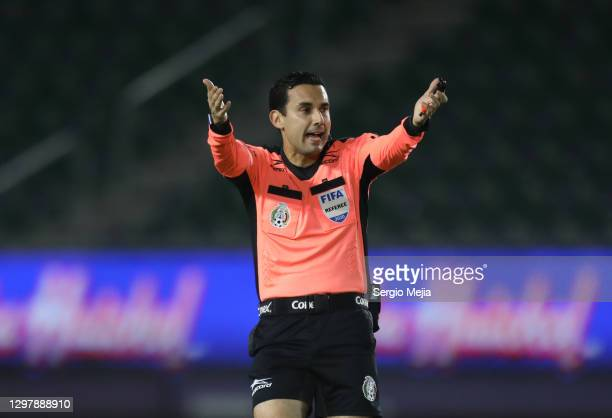 Cesar Arturo Ramos referee gestures during the 3rd round match between Mazatlan FC and Santos Laguna as part of the Torneo Guard1anes 2021 Liga MX at...
