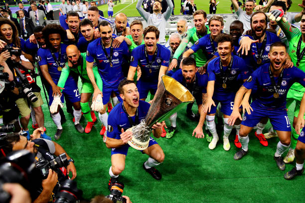 Ligue Europa 2018  - 2019 -2020 - Page 10 Cesar-azpilicueta-of-chelsea-celebrates-his-sides-win-with-the-trophy-picture-id1152502335?k=6&m=1152502335&s=612x612&w=0&h=of9Kf49mSTgu9Pu_PO6swIgqTRjK_yyWS2_1Lfcbq0w=