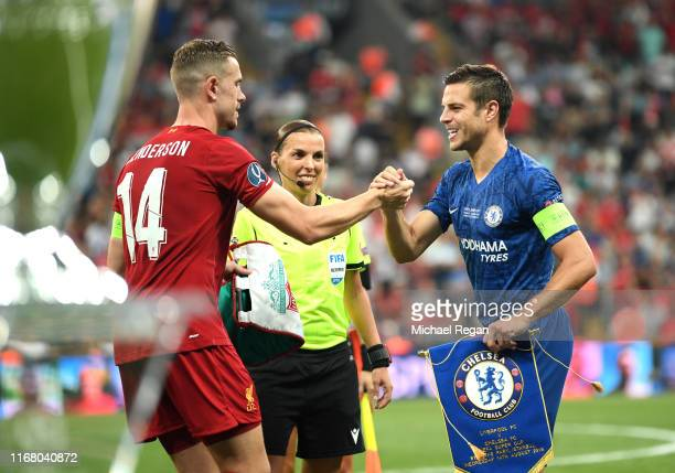 Cesar Azpilicueta of Chelsea shakes hands with Jordan Henderson of Liverpool prior to the UEFA Super Cup match between Liverpool and Chelsea at...