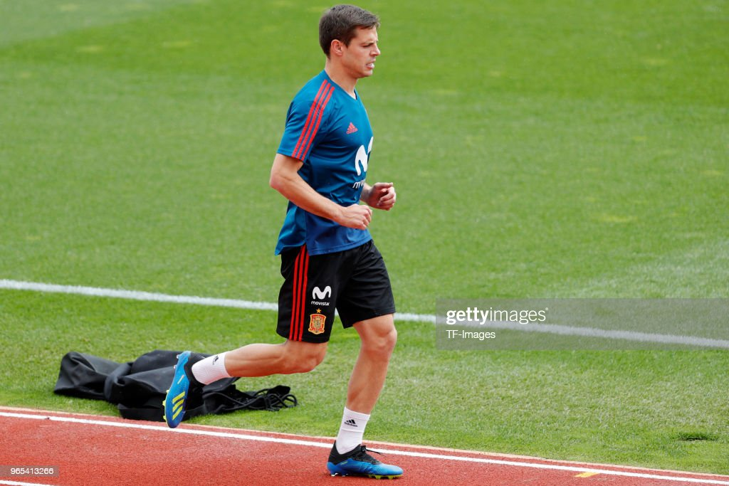 Cesar Azpilicueta of Spain runs during a training session on May 29, 2018 in Madrid, Spain.