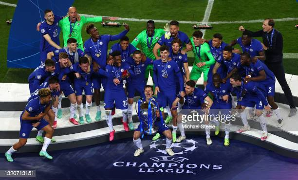Cesar Azpilicueta the captain of Chelsea lifts the Champions League Trophy following their team's victory during the UEFA Champions League Final...