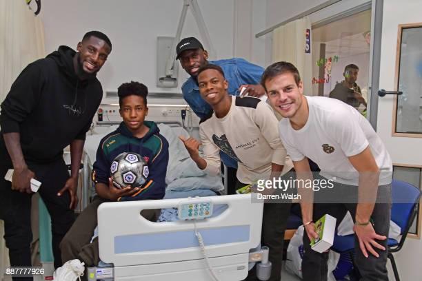 Cesar Azpilicueta Tiemoue Bakayoko Charly Musonda Jr Antonio Rudiger of Chelsea visit the Chelsea and Westminster Hospital on December 7 2017 in...