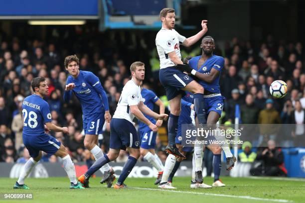 Cesar Azpilvcueta of Chelsea Marcos Alonso of Chelsea Eric Dier of Tottenham Jan Vertonghen of Tottenham and Antonio Rudiger of Chelsea battle for a...