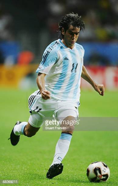 Cesar Delgado of Argentina in action during the FIFA 2005 Confederations Cup Final between Brazil and Argentina at the Waldstadion on June 29 in...